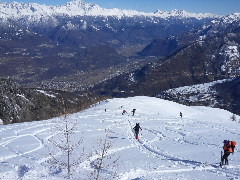 discesa panoramica su ottima neve