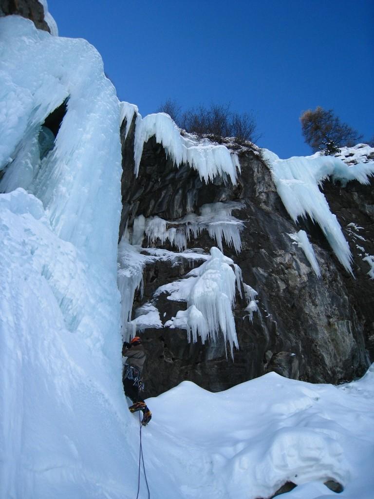 Cascade de Mottec, jeux de stalactites...
