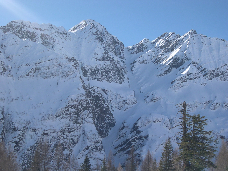 ...il canale del Pizzo dell'alpe Gelato dal Madone (foto di Alberto Besati)