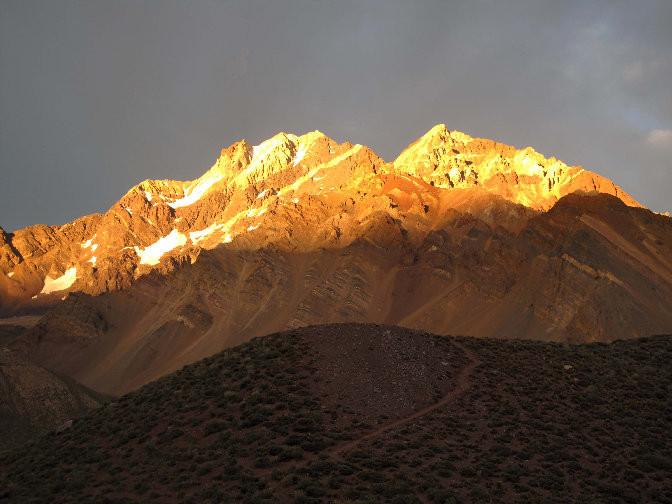 Cerro Tolosa au lever du jour