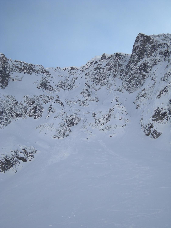 Mt.Oreb couloir N. La face N vue du vallon de Tré les Eaux