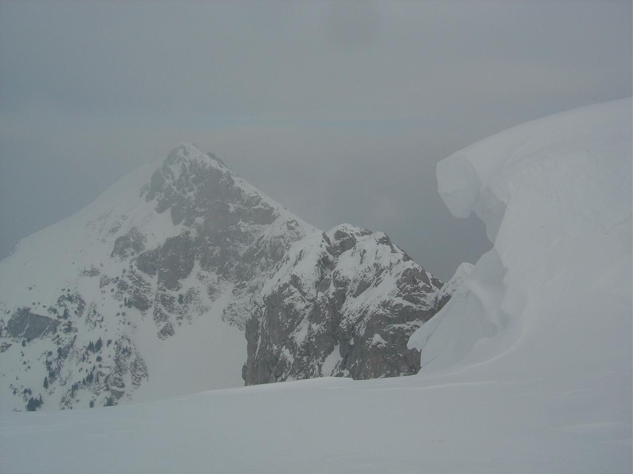 Au sommet, Chambairy à gauche.