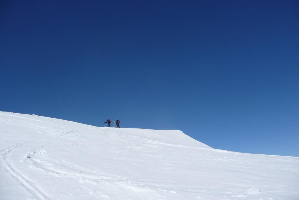 les 2 skieurs au sommet