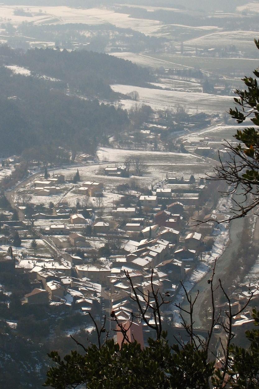Le village de Pont-de-Barret vu depuis la falaise d'Eson.
