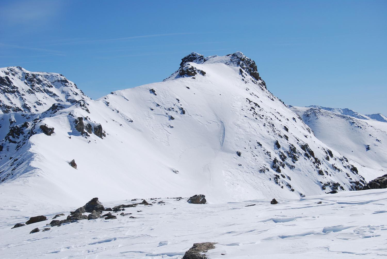La Cima Saline 3074 m vista dal Dosso Cavallaro 2999 m.