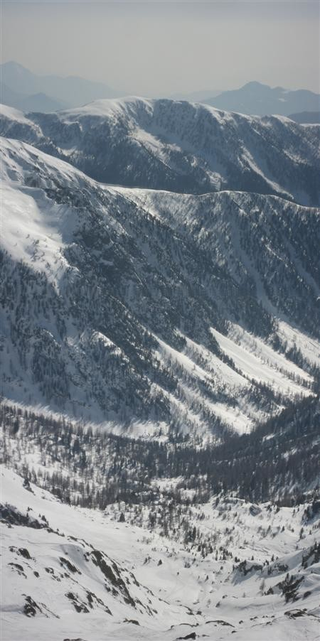 Le vallon de descente depuis la Cime de l'Agnel.