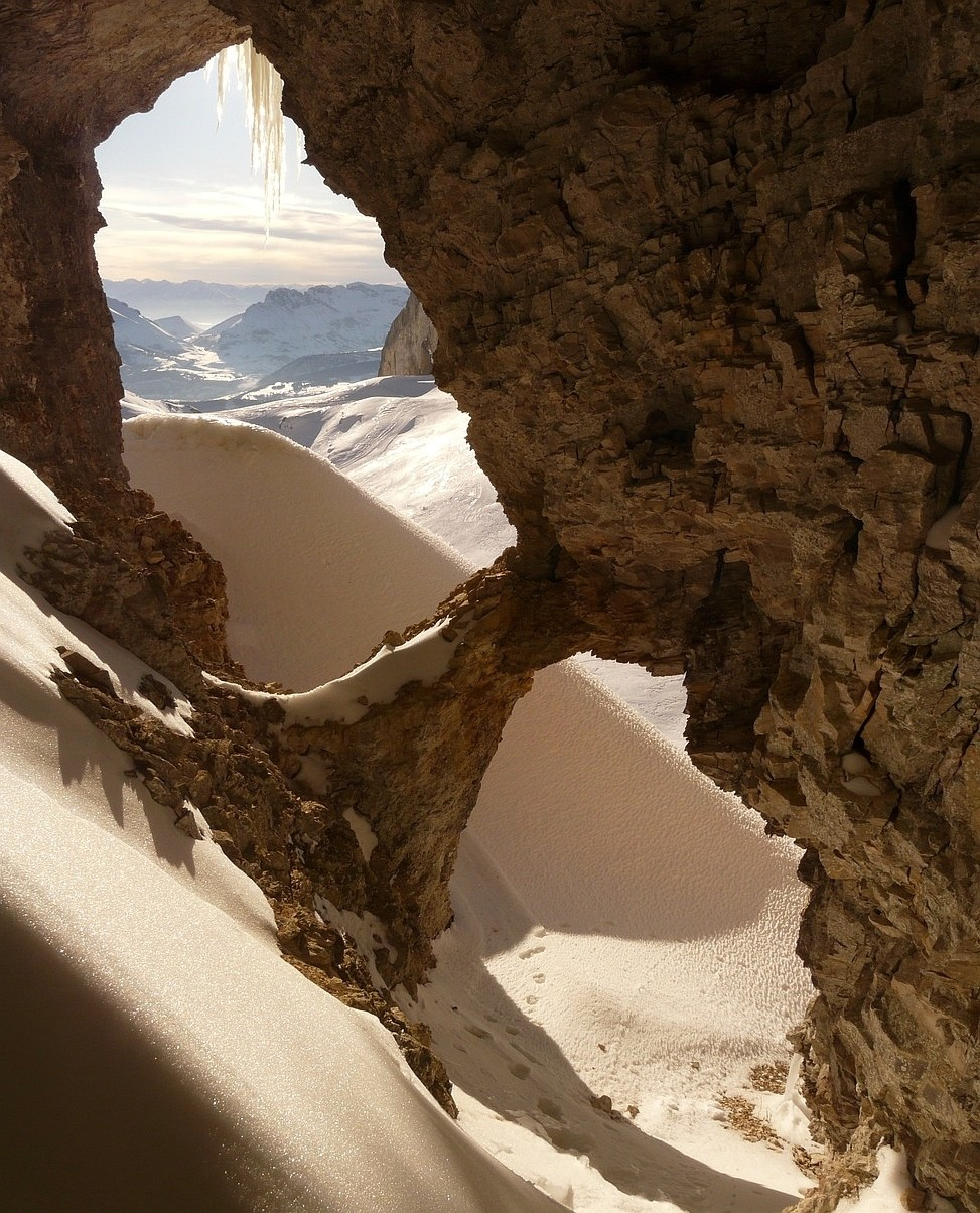 A natural arche in the Grand Villard valley
