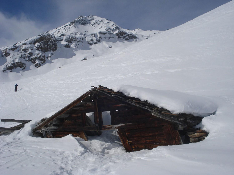 Chalet en ruine à Remointse de la Cretta (2394m)
