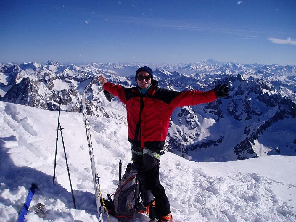 Traversée Pelvoux 2004 : Joki au sommet , ça transporte cet endroit