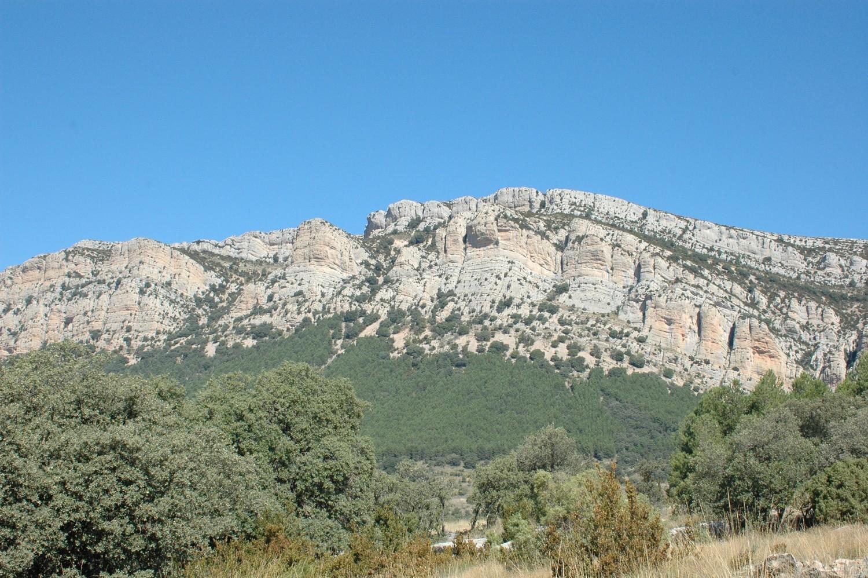 La cara S de la sierra de Montsec d'Ares (Cataluña)