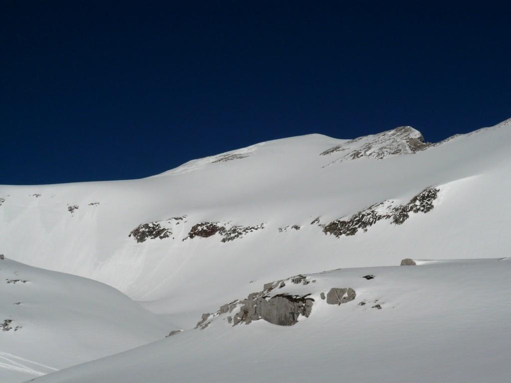 Le versant E de la tête de Lanchenaire encore vierge