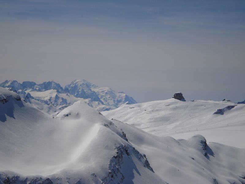 Glacier des Diablerets,Quille du diable, Mt Blanc au loin