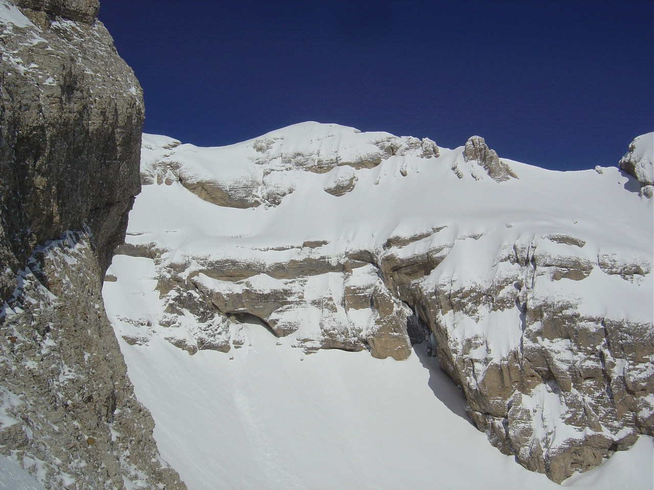 Le versant E du Grand Ferrand et son chouroum.