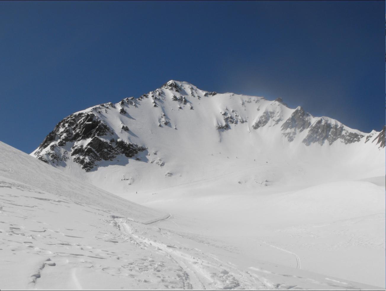 Pointe de Comberousse. Les skieurs ne sont pas allés plus haut.