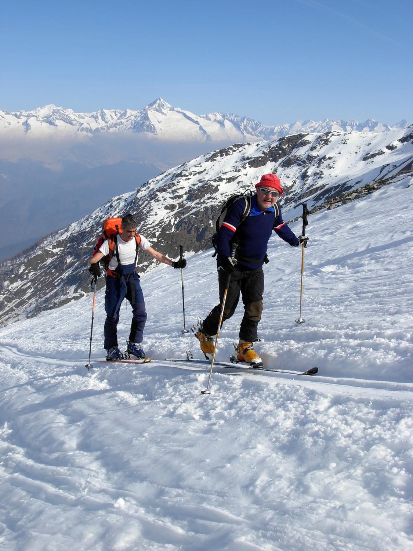 Salendo al Breithorn, sullo sfondo l'Aletschhorn