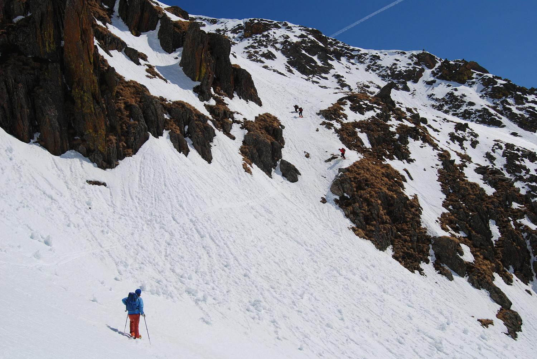 Il passaggio più semplice che permette di accedere dal vallone di Valzaroten a circa 2420 m a quello più a E per salire alla Piramide W di Somalbosco.