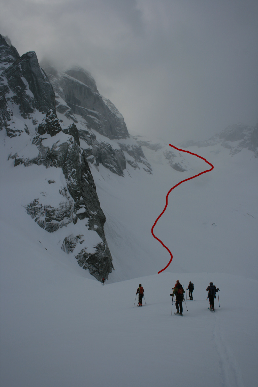 Traccia di salita sul ghiacciaio