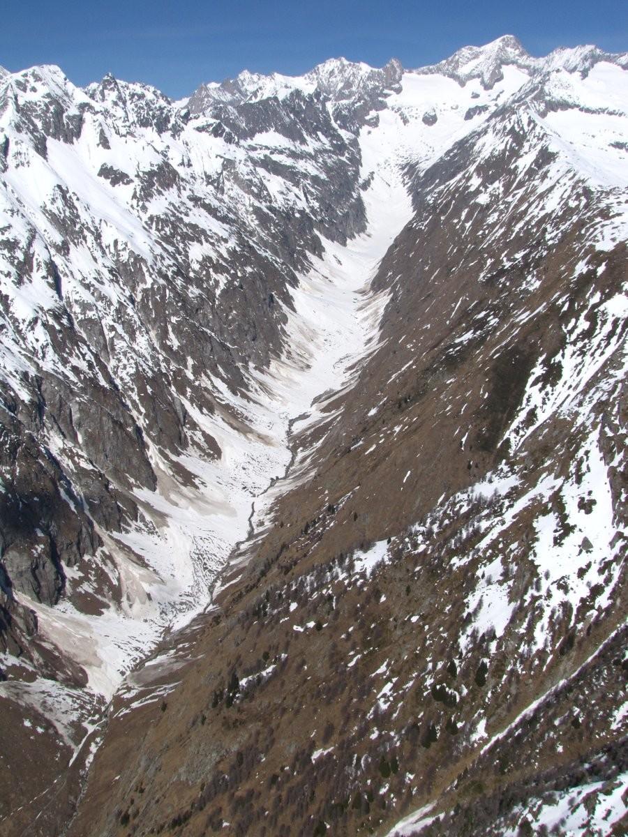Vue sur le Gredetschtal, avec le Nesthorn tout au fond