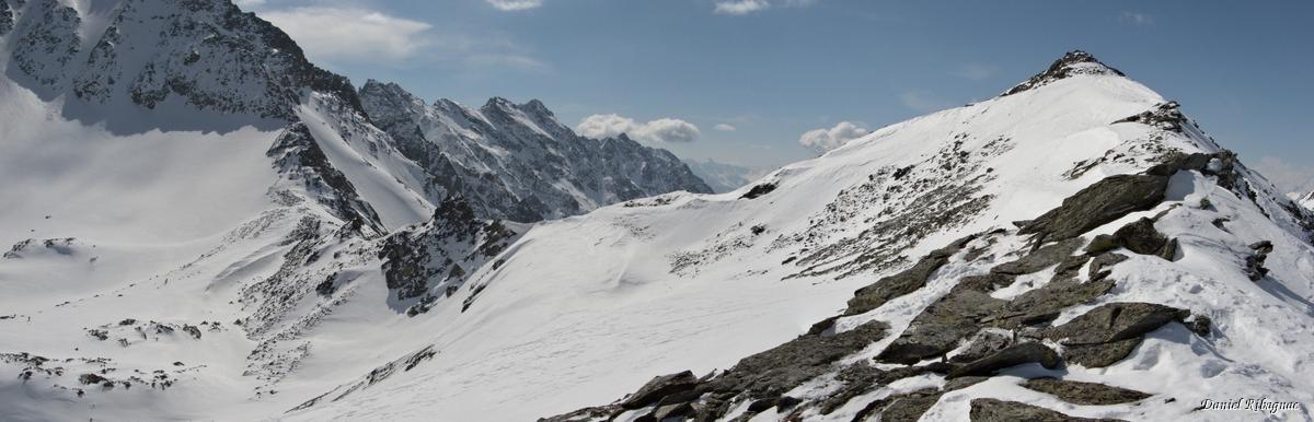 L'arête avant le sommet, le col Annibal à gauche