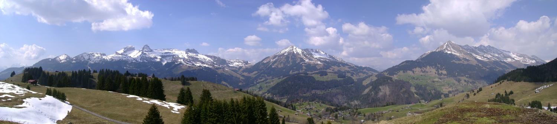 Les Tours d'Aï, de Mayen et de Famelon, le Mont d'Or et le Pic Chaussy depuis La Seleyre