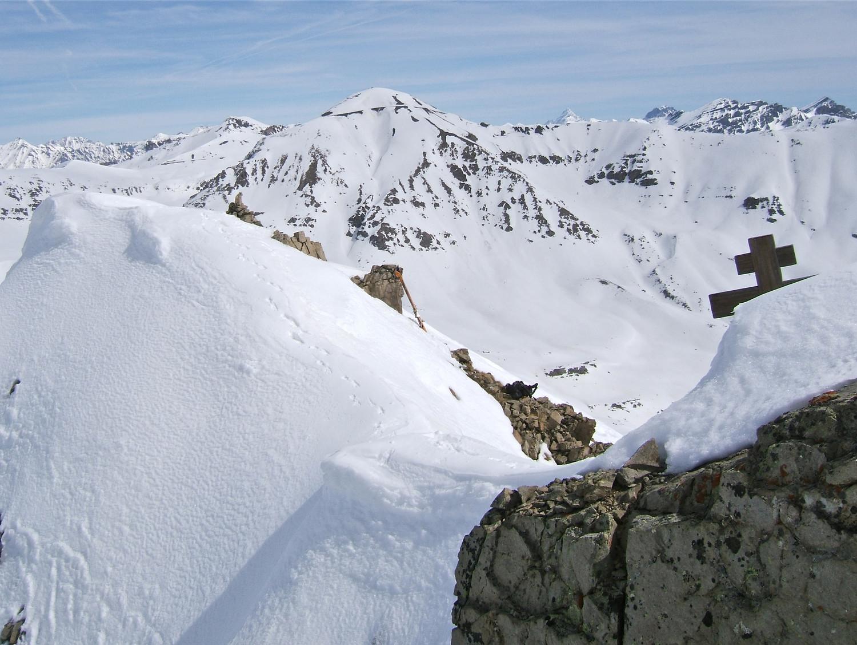 Mes skis avec la Cime de la Bonette.