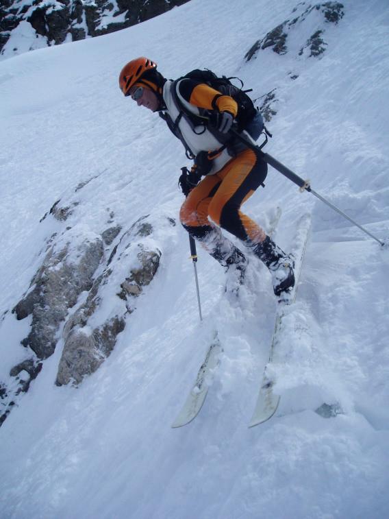 Pseudo skieur s'étant égaré dans un couloir trop étroit