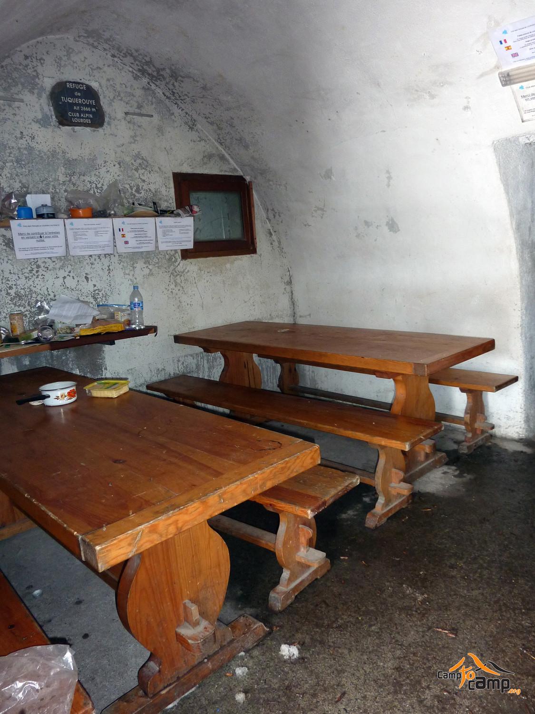 Refuge de Tuquerouye - Pièce commune
