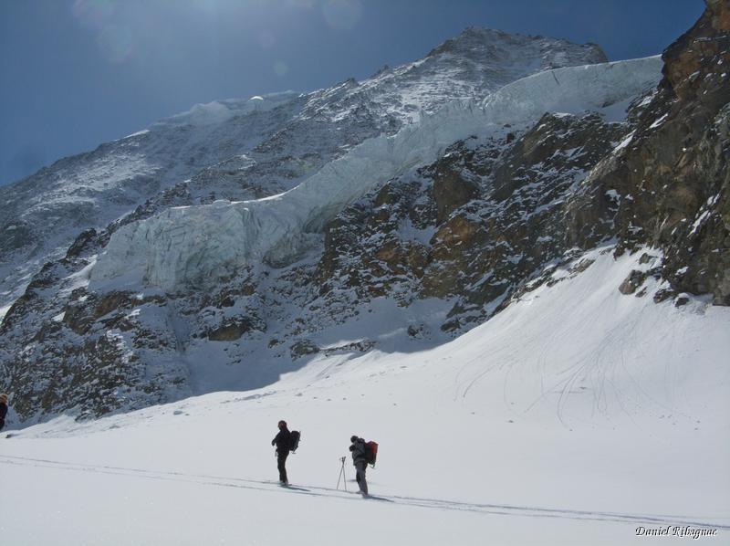 Passage sur le glacier de Cheilon et les séracs du Mont-blanc de Cheilon