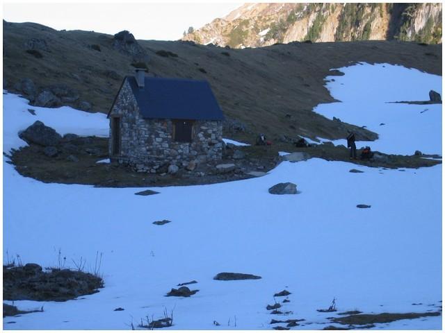 Cabane au lac d'Arou