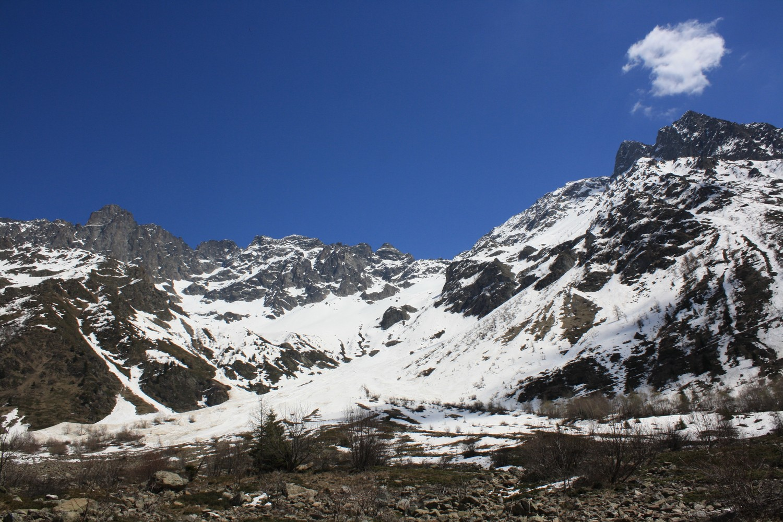 Coin Charnier et les sommets environnants