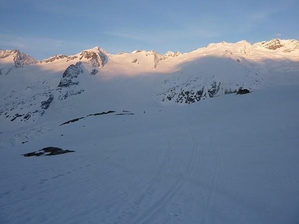 Salendo al Rosenhorn. In discesa sul Gauli gletscher
