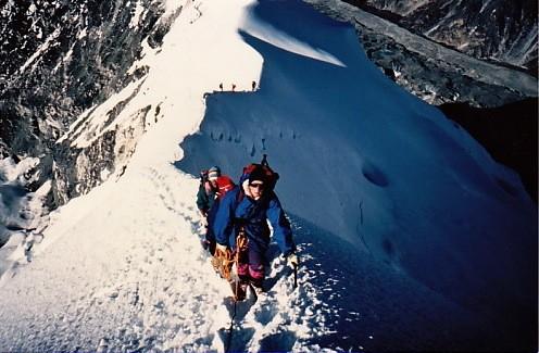 Imja Tse 6189 m, Chevrette à quelques mètres du sommet, en 1980