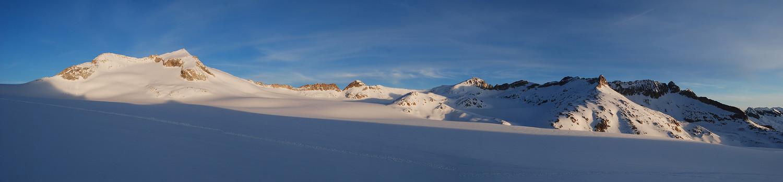 Sul Pian di Neve l'alba sul Corno Bianco 3434 m