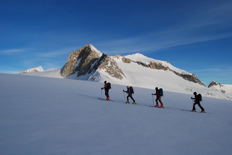 Salita sul Pian di Neve con il Corno Bianco 3434 m.