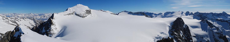 Dal Corno Miller 3373 m, il versante meridionale dell'Adamello e dintorni.