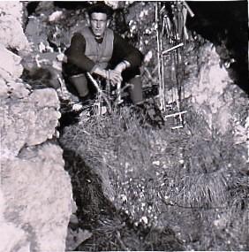 Hiver 1957 /58 La grotte bivouac utilisée lors des ouvertures