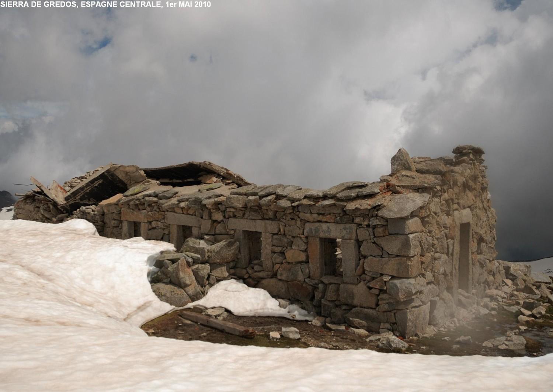 Ruines du Refugio del Rey (Circo de Gredos, Espagne centrale)