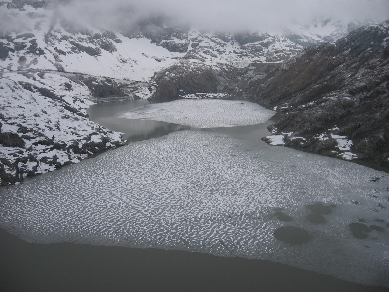 Le lac à l'étiage