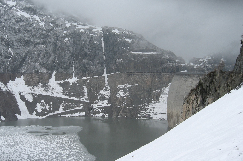Le barrage presque à sec