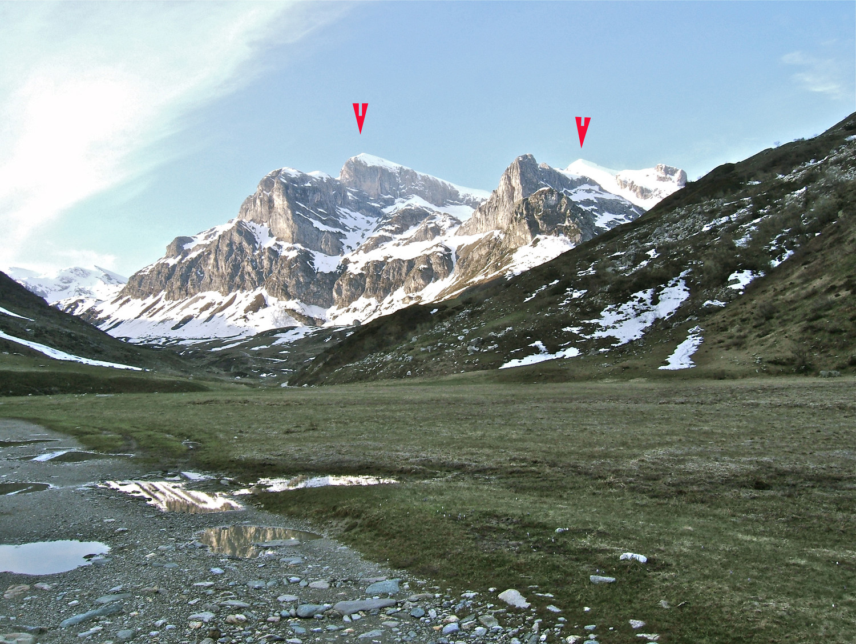 Du plateau à 1600m. Agauche Cime de la Saline et a droite Antécime de Pian Ballaur.