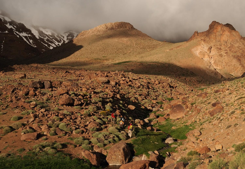 Départ matinal pour le sommet du Djebel Sirouah