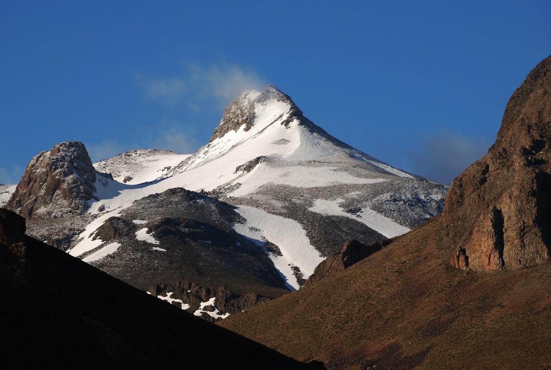 Djebel Sirouah (3305m) vu des bergeries d'iriri