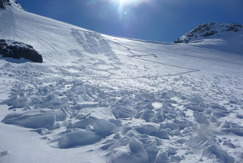 Gros blocs de l'avalanche de mardi dernier