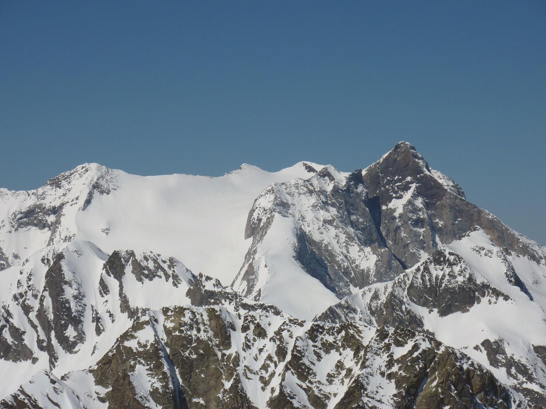 Massif du Vignale faces est avec Pics de Labase et de la Sède au 1er plan