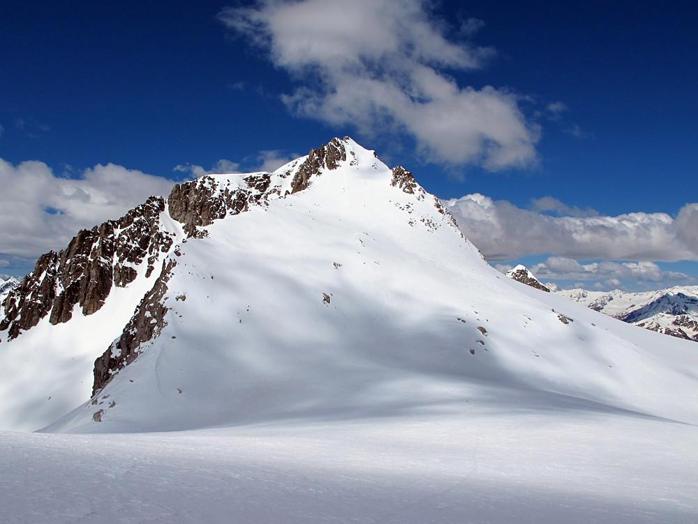 dai pressi del Passo Cercen, il versante orientale dell'omonimo monte