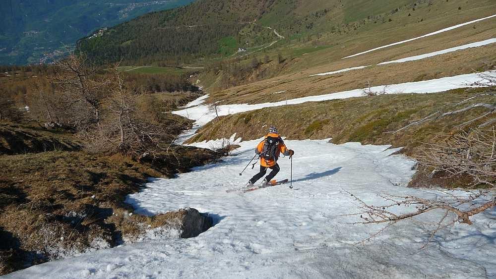 Rocciamelone 24 Mai 2010 ,Finalement on rentre tout à ski et sans bobos mais ça gamberge