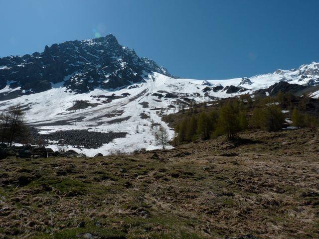 Fin de la descente du glacier du Tabuchet au dessus du Pâquier, vers 1900m