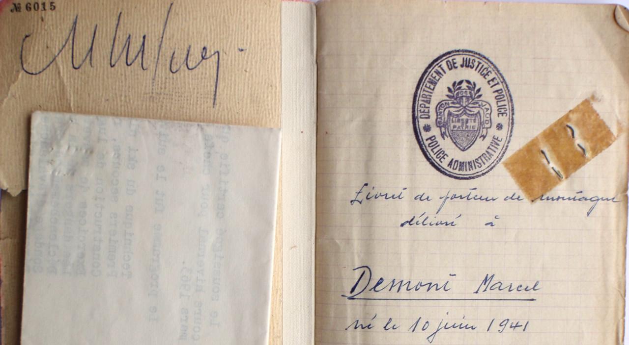 Le carnet de porteur, passage obligatoire durant 2 ans au moins; la signature , en haut à gauche est celle de Gaston Rebuffat