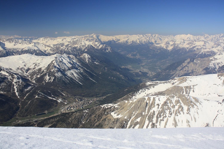 Du Mont Chaberton, vers le SW (Montgenèvre et Briançon)
