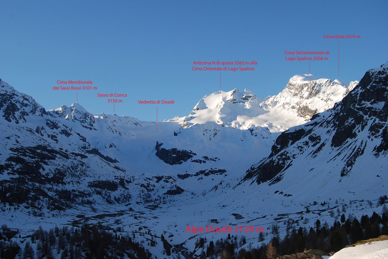 Le cime circostanti  all'Alpe Dosdè 2129 m.